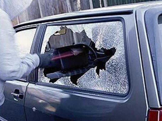 Романовские полицейские задержали молодых людей, промышлявших кражами из автомобилей