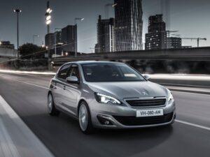 У Mercedes-Benz CLA-Class может появиться конкурент под маркой Peugeot