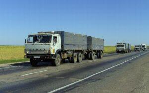 Дорога в России. Фото High Contrast