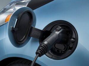 Зарядка аккумуляторных батарей электромобиля