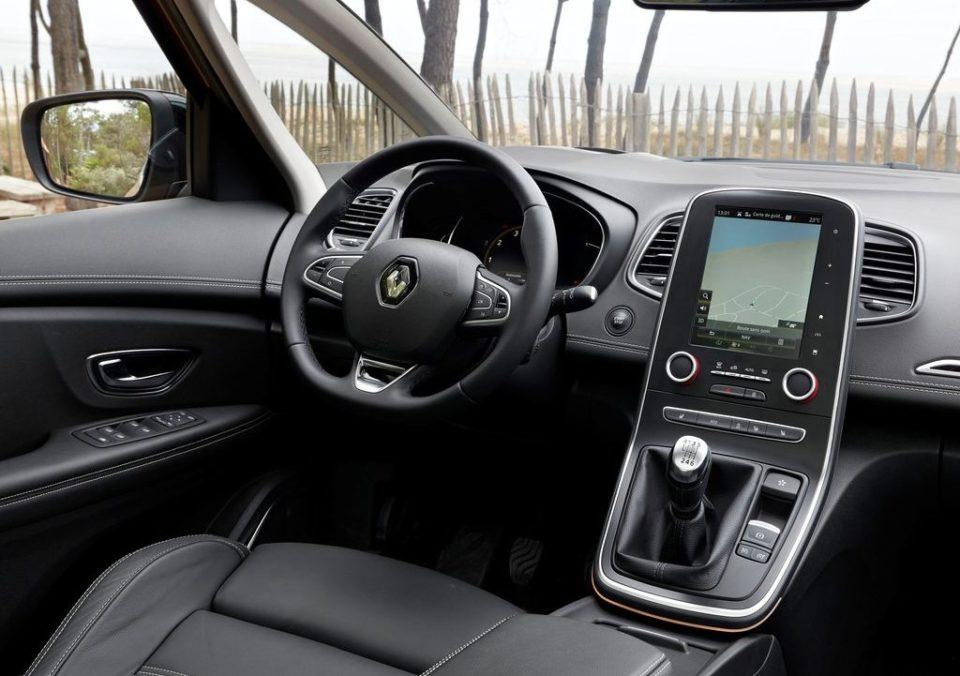 2017 Renault Scenic - интерьер