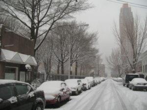 Эксперт рассказал, как завести машину в сильный мороз