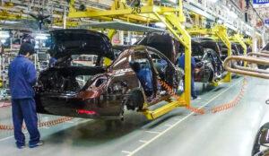 Производство автомобилей. Фото Siyuwj