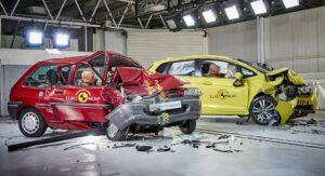 Краш-тест старого и нового автомобилей. Фото EuroNCAP