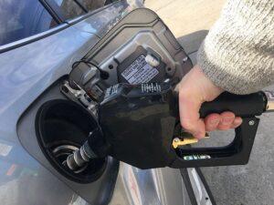 Раскрыты секреты расположения бензобаков в автомобилях
