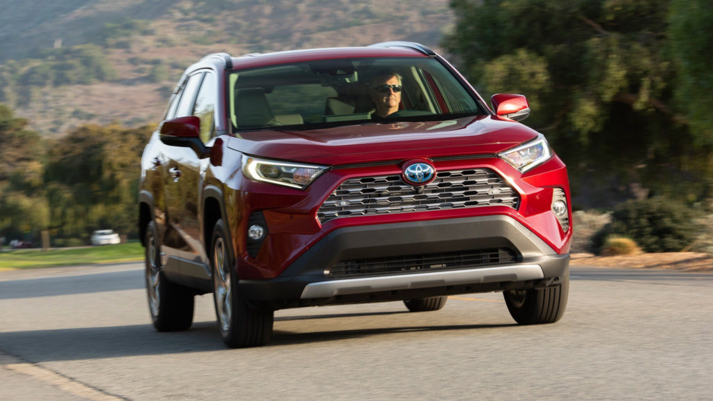 Toyota готовится к запуску производства нового <b>Toyota RAV4</b> в РФ