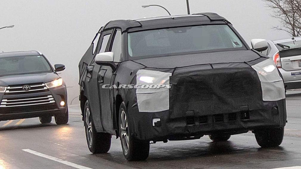 На уличных тестах увидели новый Тойота Highlander
