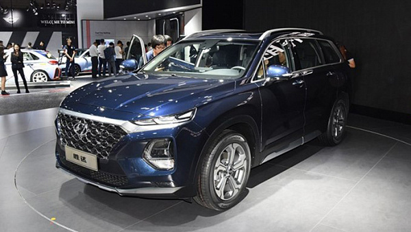 Удлиненный Hyundai Santa Fe 2019 появится у дилеров в апреле