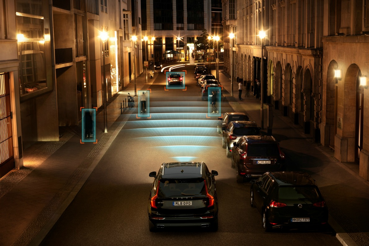 Технология City Safety в Volvo XC90. Фото Volvo