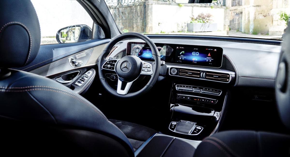 Интерьер Mercedes-Benz EQC. Фото Mercedes-Benz