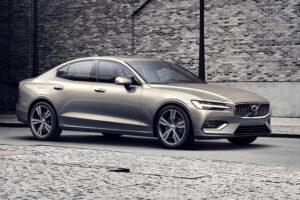 Седан Volvo S60 получил в России «бюджетную» версию