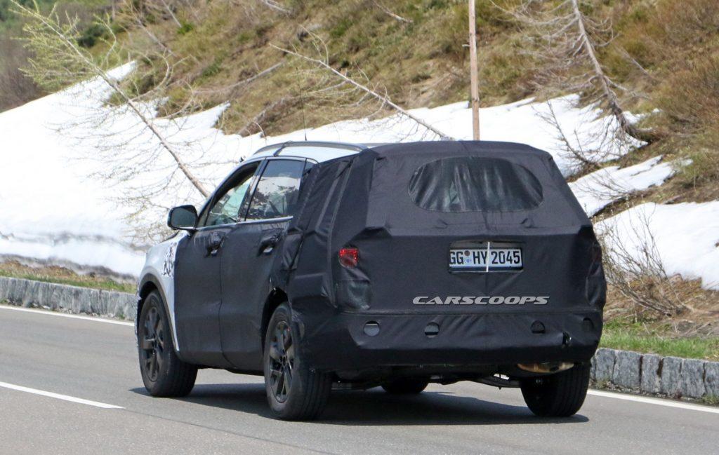 Новый Киа Sorento сравнили с БМВ X5 вовремя уличных тестов