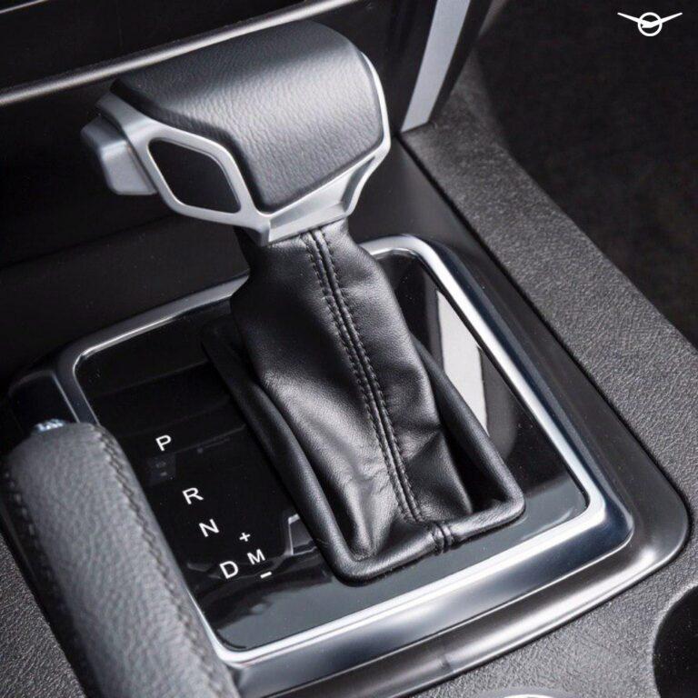 Вweb-сети назвали цену на вседорожный автомобиль УАЗ «Патриот» савтоматической трансмиссией