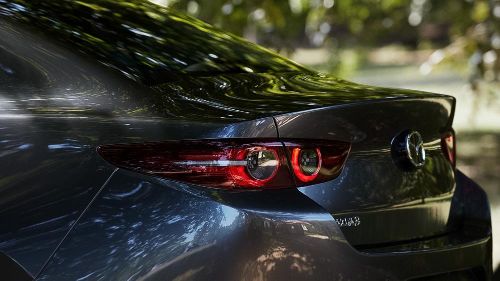 Мазда объявила стоимость нового седана Mazda3 для Российской Федерации