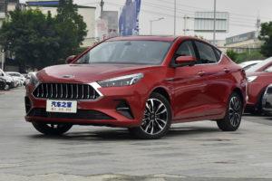 Китайский JAC представил бюджетный седан со стильным дизайном