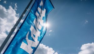Флаг КамАЗа. Фото КамАЗ